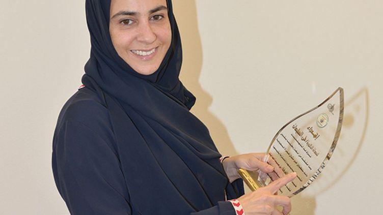 Candidate aux municipales de Ryad, ouvertes pour la première fois aux femmes, et élue, le combat de Lama Al-Sulaïman n'a pas été vain. Et ce n'est pas la première fois que Lama Al-Sulaïman donne l'exemple. Avant de se lancer dans la bataille électorale pourles municipales, elle a été élue en 2009, vice-présidente de la chambre de commerce à Djeddah. La doctorante en biochimie, diplômée du prestigieux King's College de Londres et mère de quatre enfants, estla première Saoudienneà accéder à ce poste. (courtesy@lamaAl-Sulaïman)