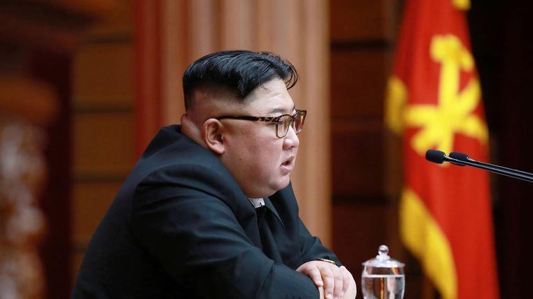 Kim Jong-un lors d'un comité du parti du travail de Corée, à Pyongyang, le 11 avril 2019. (KCNA VIA KNS)