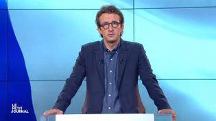 """Cyrille Eldin présente """"Le Petit journal""""sur Canal +, le 5 septembre 2016. (CANAL PLUS)"""
