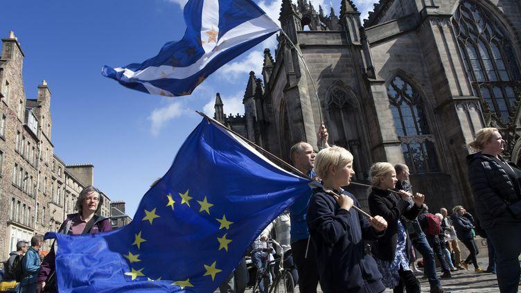 Des manifestants écossais pro-européens à Edimbourg le 31 août 2019 (GUILLAUME BONNEFONT / MAXPPP)