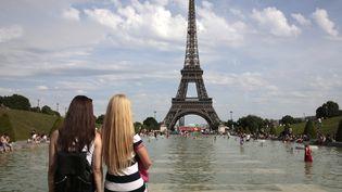 Il n'avait jamais fait aussi chaud dans la capitale pour un 19 avril depuis 1949. (GEOFFROY VAN DER HASSELT / AFP)
