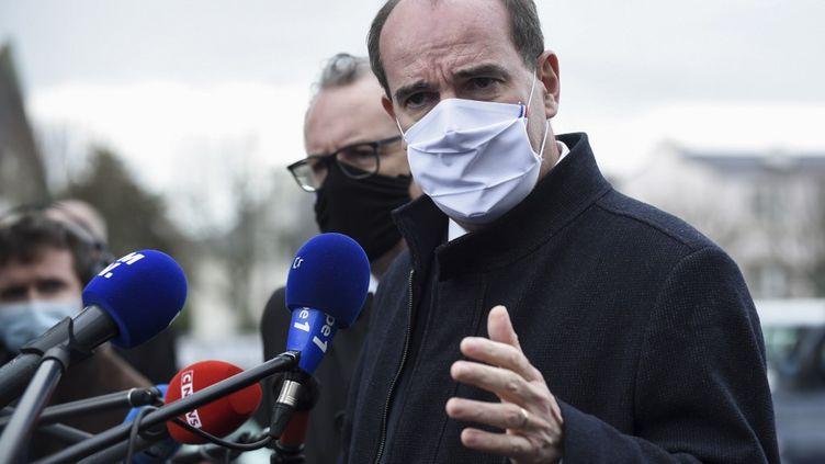 Le Premier ministreJean Castex lors d'un déplacement à Crozon, dans le Finistère, le 20 novembre 2020 (SEBASTIEN SALOM-GOMIS / AFP)