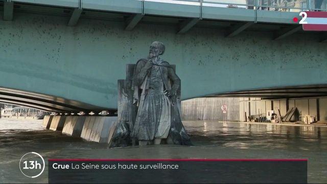 Paris : la Seine, gonflée par la crue, est sous haute surveillance