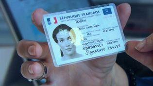 La nouvelle carte d'identité a été lancée lundi 2 août dans toute la France. (CAPTURE ECRAN FRANCE 2)
