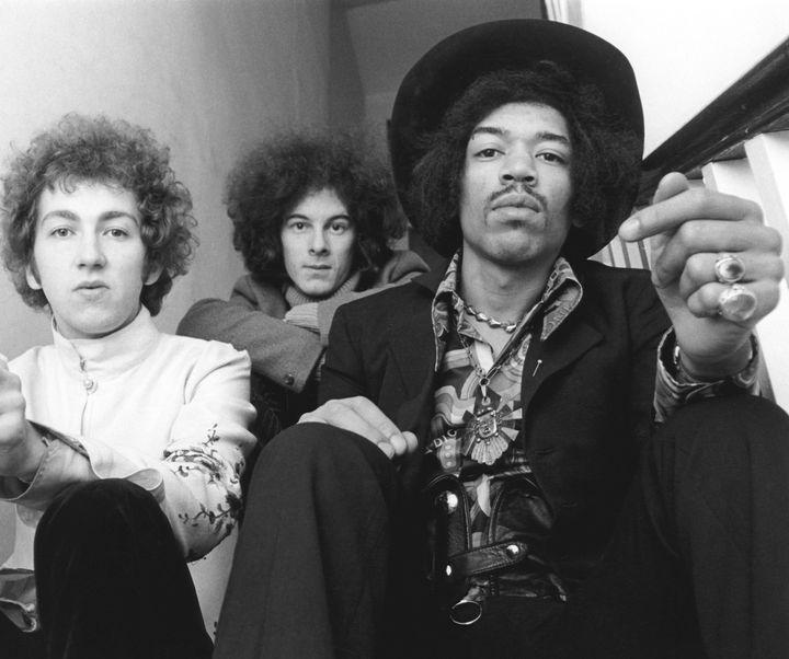 The Jimi Hendrix Experience avec de gauche à droite Mitch Mitchell (batterie), Noel Redding (basse) et Jimi Hendrix. (IVAN KEEMAN / REDFERNS)