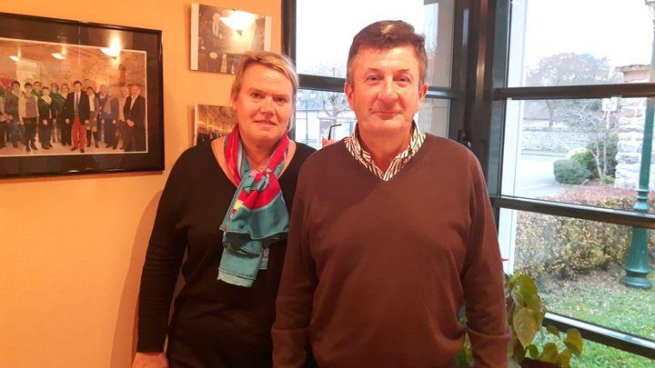 Pascal Lelièvre, maire de la commune de Solesmes,et son épouse, amis de longue date des Fillon. (ALICE SERRANO / RADIO FRANCE)