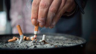 """Le mois de novembre est traditionnellement """"le mois sans tabac"""". Photo d'illustration. (PHOTOPQR / LA MONTAGNE / MAXPPP)"""