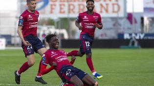 L'ailier clermontois Mohamed Bayo célébrant son but lors du match de Clermont face à Sochaux le 8 mai dernier. (THIERRY ZOCCOLAN / AFP)