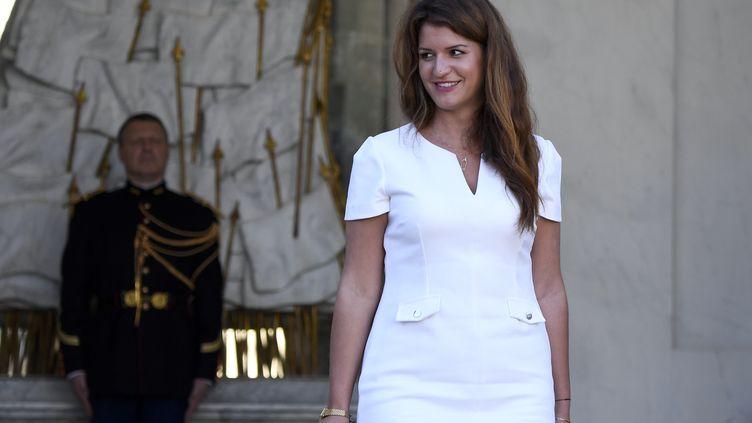 Marlène Schiappa quitte l'Elysée, à Paris, le 10 octobre 2018. (ERIC FEFERBERG / AFP)