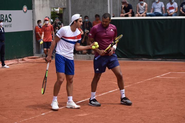 Dan Added et Jo-Wilfried Tsonga ont disputé leur premier tournoi ensemble à Roland-Garros. (Hortense Leblanc)