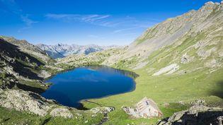 Les lacs de Vens, au sein du parc national du Mercantour, dans le département des Alpes-Maritimes. (GUIZIOU FRANCK / HEMIS.FR / AFP)