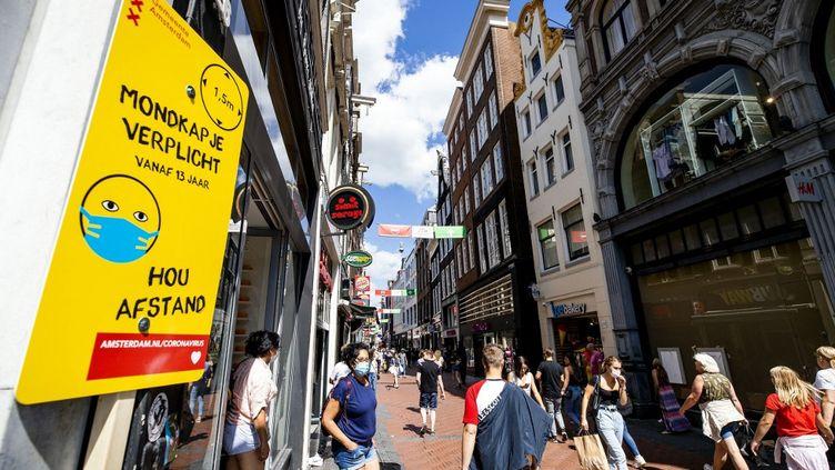 Le quartier deNieuwendijk, dans le centre d'Amsterdam, le 4 août 2020. (SEM VAN DER WAL / ANP)