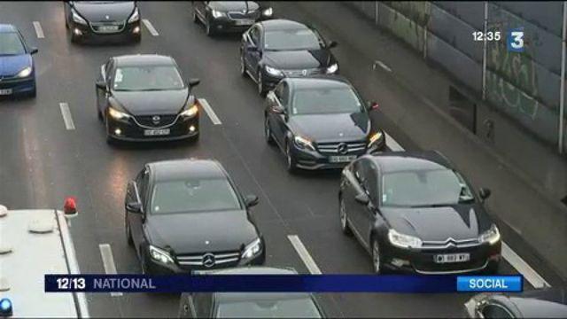 VTC : les chauffeurs bloquent les abords des aéroports parisiens pour manifester