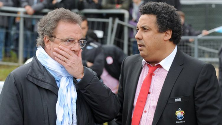 Les deux présidents basques, Alain Afflelou pour l'Aviron Bayonnais, et Serge Blanco pour le Biarritz Olympique
