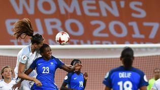 La France affronte l'Angleterre en quart de finale de l'Euro, dimanche 30 juillet 2017 àDeventer (Pays-Bas). (TOBIAS SCHWARZ / AFP)