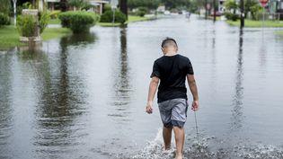 Des pluies torrentielles se sont abattues en quelques heures sur le Texas. A Galveston, comme dans de nombreuses autres villes de l'Etat, les rues sont inondées. (BRENDAN SMIALOWSKI / AFP)