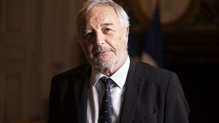 François Rebsamen à la mairie de Dijon le 16 décembre 2019. (ROMAIN LAFABREGUE / AFP)