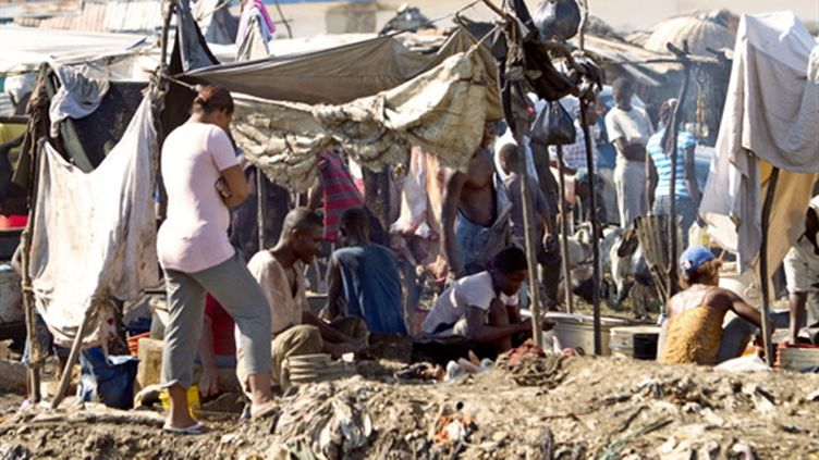 Dans un camp de fortune à Port-au-Prince le 11 septembre 2010 (AFP - PATRICE COPPEE)