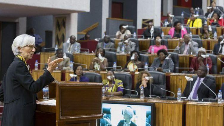 La directrice du FMI Christine Lagarde s'adresse aux députés rwandais, à Kigali, le 27 janvier 2015. (AFP PHOTO / FONDS MONÉTAIRE INTERNATIONAL / STEPHEN JAFFE)