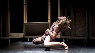 Le danseurArthur Bernard Bazin dans la chorégraphie de Sharon Fridman  (Vojtech Brtnicky)