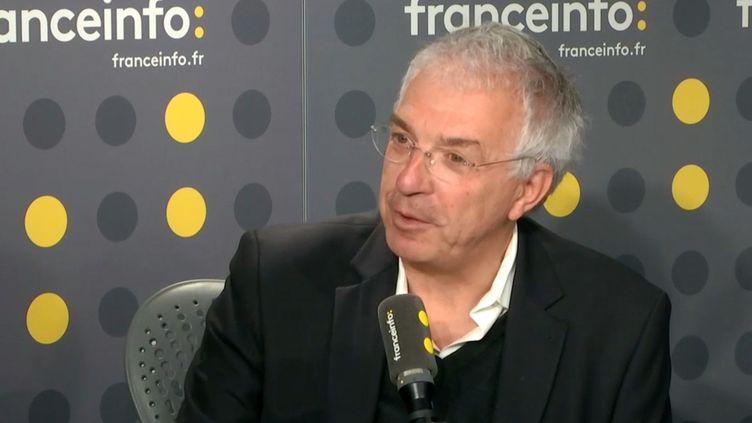 Gilles Bonnefond,président de l'Union des syndicats des pharmaciens d'officine, invité sur franceinfo jeudi 17 janvier. (FRANCEINFO)