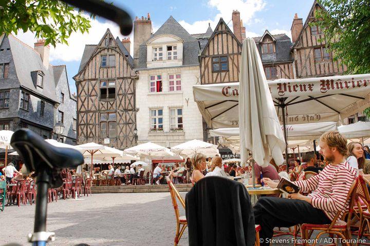 Place Plumereau à Tours. (ADT Touraine Stevens Fremont)