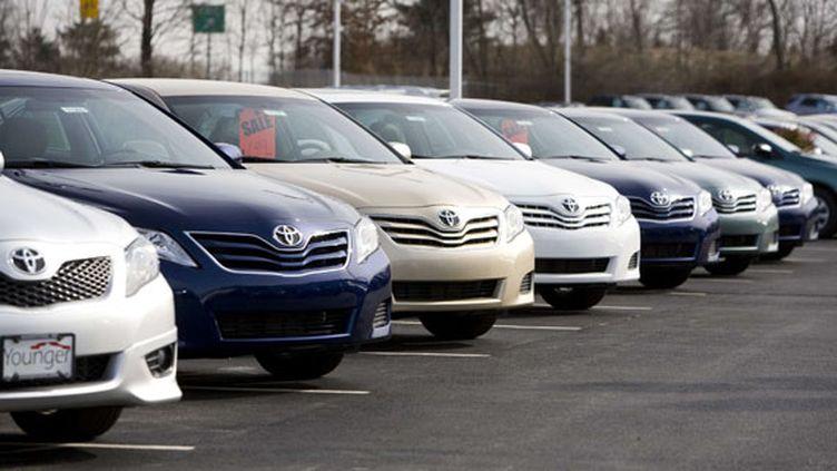 """Chez un concessionnaire Toyota à Hagerstown (Maryland), la mention SS (""""Suspended Sales"""" ou ventes suspendues) est apposée sur les véhicules concernés par le rappel, le 29 janvier 2013. (TRIPPLAAR KRISTOFFER / SIPA)"""