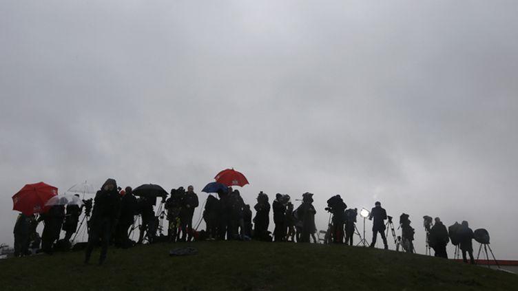 (Des journalistes à Dammartin-en-Goële lors de l'assaut contre les frères Kouachi © REUTERS/Eric Gaillard)