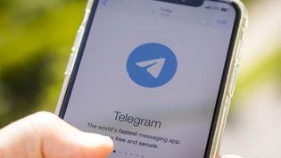 L'application de messagerie cryptée Telegram sur un téléphone, le 26 juin 2020. (JAAP ARRIENS / NURPHOTO / AFP)