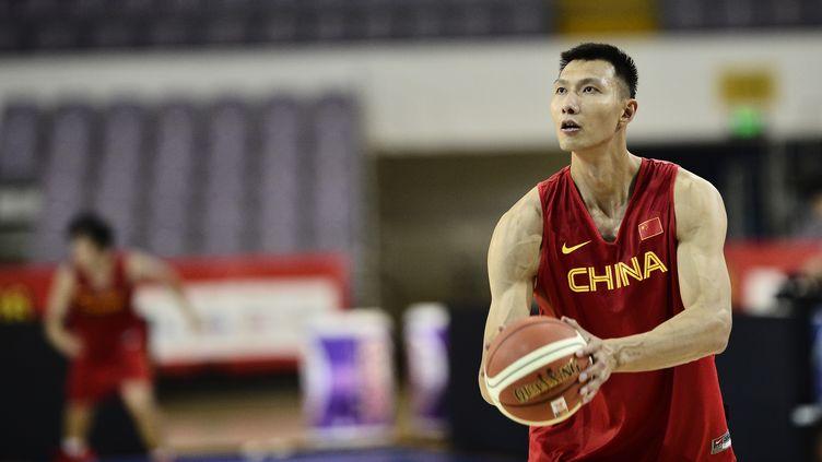 Le basketteur chinois Yi Jianlian (WU AO / IMAGINECHINA)