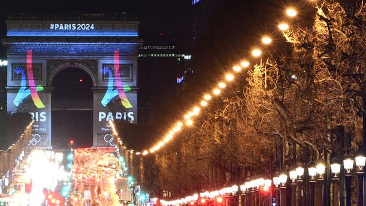 L'Arc de Triomphe s'était drapé des couleurs des JO 2024