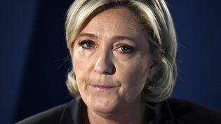 La présidente du Front national Marine Le Penlors d'une conférence de presse à Paris le 21 avril 2017. (LIONEL BONAVENTURE / AFP)