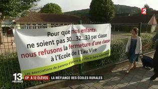CP à douze élèves : la méfiance des écoles rurales (FRANCE 2)