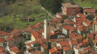 Les équipes de France Télévisions vous font découvrir mercredi 3 mars, un petit villaged'Italiequi vit de son trésor : une carrière de marbre rachetée dans les années 1950 par les habitants. (France 2)