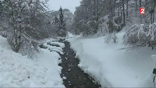 Intempéries : les Pyrénées sous la neige