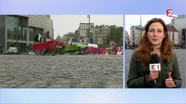Journée sans voitures : les vélos profitent de l'opération dans Paris