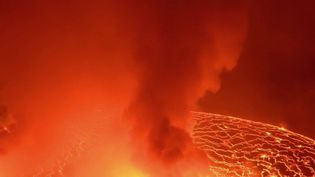 """République Démocratique du Congo : à la découverte du volcan Nyiragongo, """"aux portes de l'enfer"""" (France 2)"""