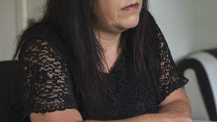 Le procès de Béatrice Huret (ci-contre), ex-sympathisante FN tombée amoureuse d'un migrant de la Jungle de Calais qu'elle a aidé à traverser la Manche, s'ouvre mardi devant le tribunal correctionnel de Boulogne-sur-Mer. (DENIS CHARLET / AFP)