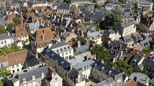 Le centre historique de Bourges (Cher) vue du ciel, le 30 août 2010. (DEGAS JEAN-PIERRE / HEMIS.FR / AFP)