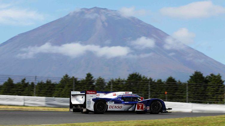 La Toyota TS030 sur le circuit de Fuji (TMG)