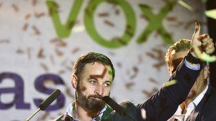Le candidat aux élections législatives pour le parti Vox Santiago Abascal, le28 avril 2019 à Madrid (Espagne). (OSCAR DEL POZO / AFP)