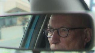 Citoyen senior au volant - permis de conduire pour les personnes âgées (FRANCE 2)
