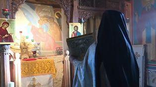 Célébration d'une messe orthodoxe (Capture d'écran France 3)