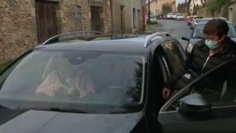 Dans les Landes, des chauffeurs bénévoles pour les plus démunis (France 2)