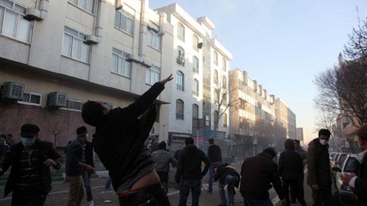 Manifestants dans une rue de Téhéran, lundi 14 février 2011. (AFP)
