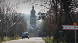 """La série """"Passionnément maire"""" se poursuit sur France 3. Dans ce nouvel épisode, focus sur Michel Fournier, maire des Voivres, un village de plus de 300 habitants dans les Vosges, où les générations se mélangent grâce aux initiatives de l'élu. (FRANCE 3)"""
