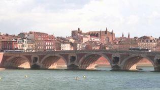 Garder les classes moyennes, c'est l'enjeu des élections municipales dans de nombreuses villes françaises, dont Toulouse. Les prix au mètre carré y ont augmenté de 9% en deux ans. (France 3)