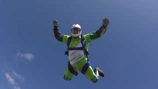 (Luke Aikins pratique la chute libre depuis ses 12 ans et a plus de 18 000 sauts à son actif © Capture d'écran Youtube)