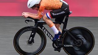 La Néerlandaise Annemiek van Vleuten est l'une des grandes favorites pour le contre-la-montre individuel des Championnats du monde, lundi 20 septembre 2021. (INA FASSBENDER / AFP)