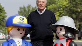 Horst Brandstätter, patron de Playmobil, pose àDietenhofen(Allemagne), le 11 août 2005. (MAXPPP)